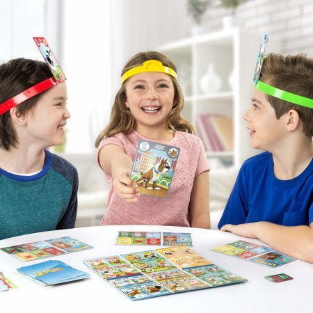 3 kids playing Family Board Game Hedbanz