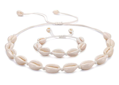 This is an image of a Shell Necklace by Kainier.
